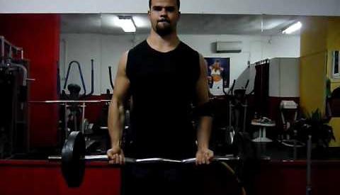Bicepscurl m/ ez-stang