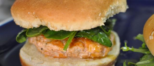 Lakseburger marinert i hvitløk