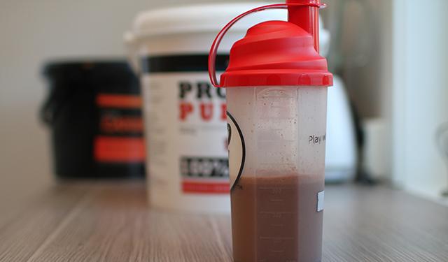 hvor mye proteiner trenger man for å bygge muskler
