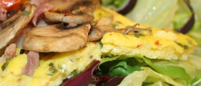 Omelett av skinke og egg