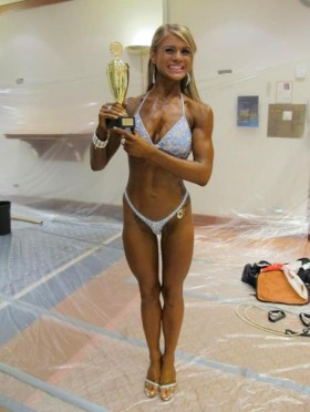 Her er det ett bilde fra Stavanger Open 2011 av Nora Sivertsen Mathisen hvor hun kom på 3 plass klassen-163 kg.