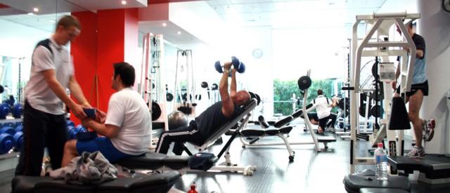 6 helsefordeler ved å trene styrke