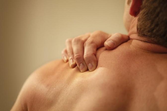 smerter under venstre arm