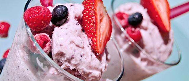 Nyt en frisk og herlig protein-iskrem