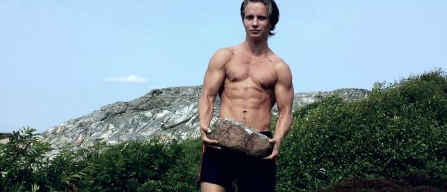 Erik Bergström (21) trener og spiser som urtidsmennesket