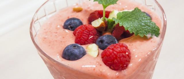 Sunn jordbærsmoothie med vaniljeprotein