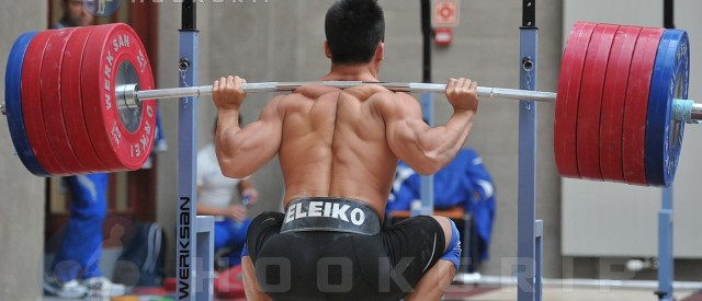 Studie – Hva gjør deg mest atletisk av vektløfting og styrkeløft?
