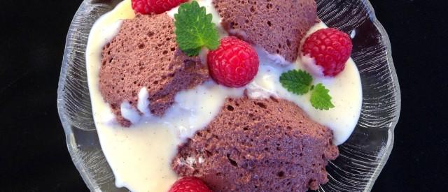 Sukkerfri og proteinrik sjokolademousse med vaniljesaus