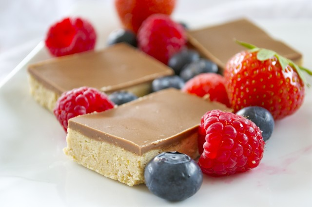 sjokolade og peanøttsmør proteinbar