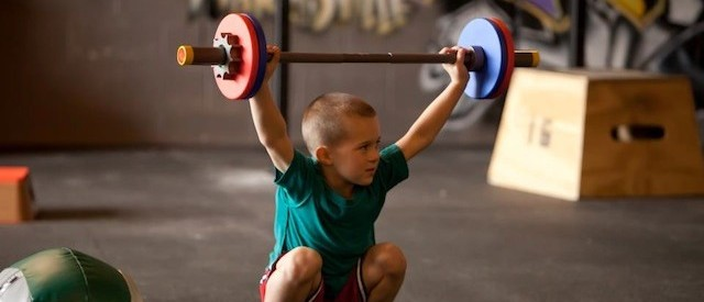 La barn og unge trene mer styrke
