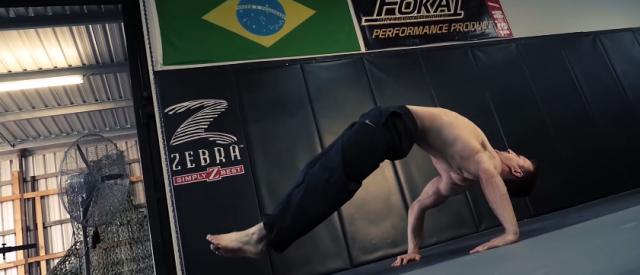 Breakdanseren Simon Atas styrketrening er ulikt alt du har sett