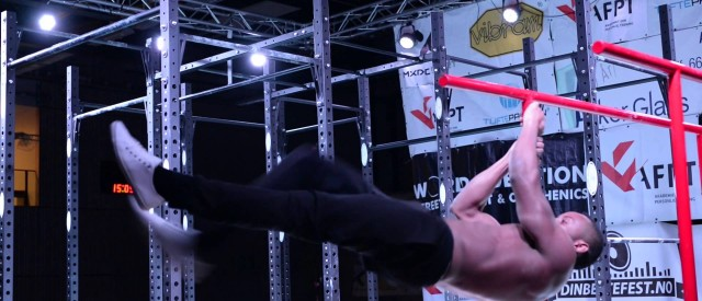 Se den kule videoen fra superfinalen i Street Workout!