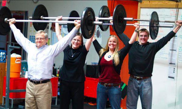these-awkward-family-fitness-photos-take-wtf-to-the-next-level-29-photos-12