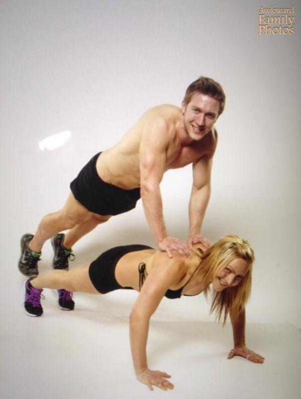 these-awkward-family-fitness-photos-take-wtf-to-the-next-level-29-photos-14