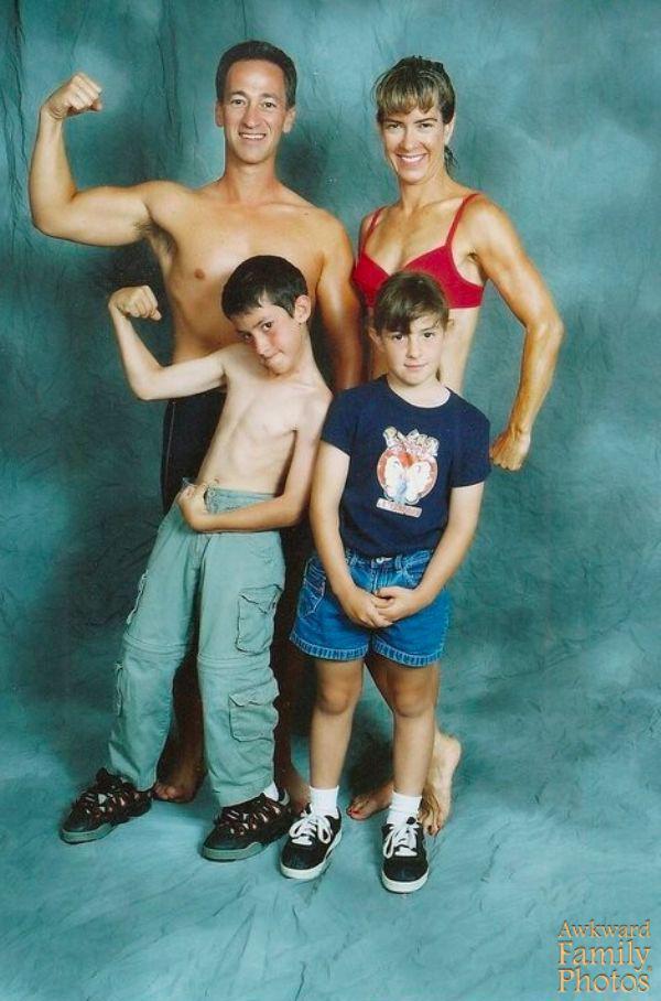 these-awkward-family-fitness-photos-take-wtf-to-the-next-level-29-photos-18
