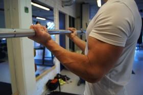 Bicepscurl med et nøytralt grep