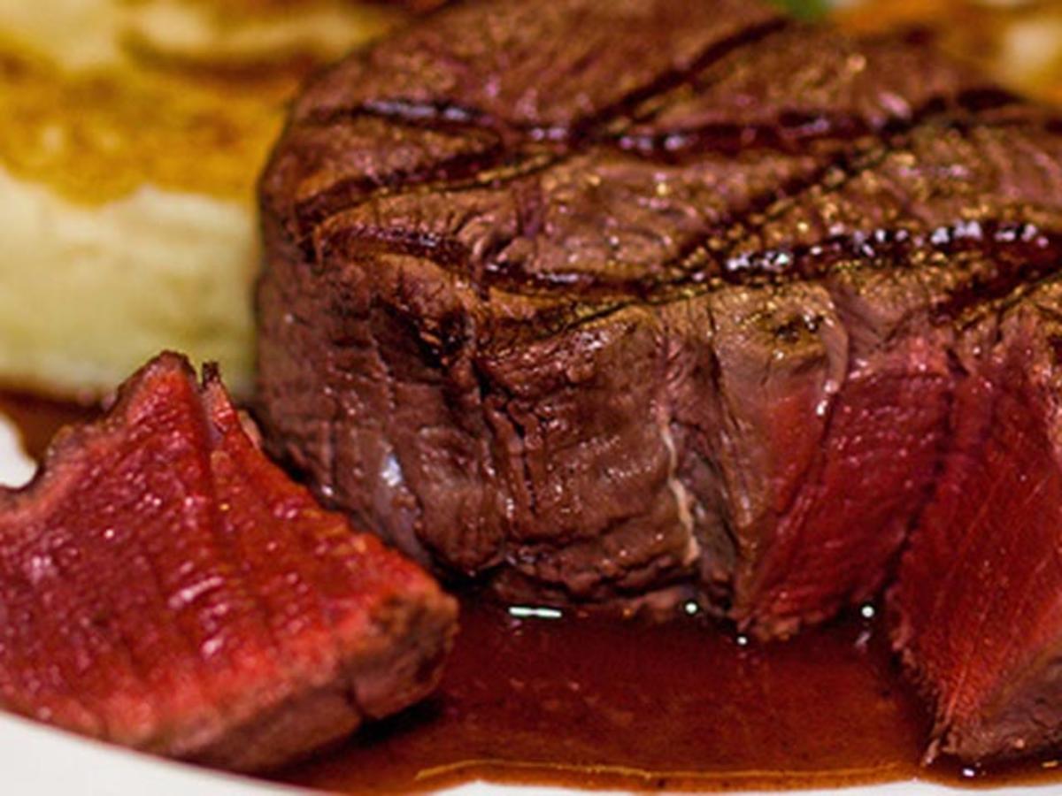 Finnes det en grense på hvor mange gram protein kroppen kan ta opp pr måltid?