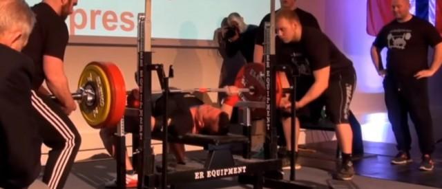 Kim Gundersen tok norgesrekord i benkpress med 261,5 kg!